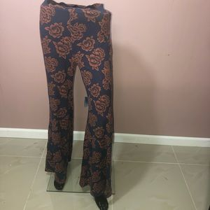 Fitted flower pants